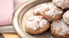 bourbon-pecan-gingerbread-cookies-th