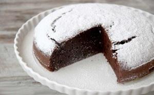 Classic Italian Chocolate Cake - 01